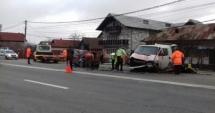 GRAV ACCIDENT RUTIER! Trei persoane rănite, patru maşini implicate
