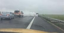 ACCIDENT pe Autostrada Soarelui. O MAŞINĂ ESTE ÎN FLĂCĂRI!