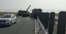 Convoi NATO implicat într-un accident pe autostradă. Trei militari au fost răniţi