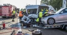 TRAGEDIE PE ŞOSEA! Microbuz cu români, implicat într-un accident în Belgia