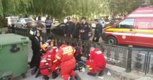 Intervenţie de urgenţă a pompierilor, după ce un copil şi bunicul lui au căzut în apă