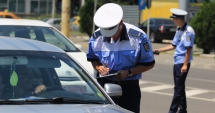 Şoferi din Constanţa, rămaşi fără permis după ce au trecut pe roşu