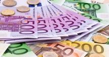 Leul a scăzut în raport cu moneda europeană, dar a crescut față de dolar