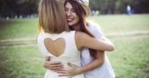 Astăzi este Ziua mondială a îmbrăţişărilor