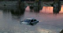 Un bărbat a căzut cu maşina în apă! Ce spun poliţiştii