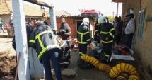 Dramatic! Un băieţel de doi ani este captiv într-un puţ de 16 metri adâncime. Operaţiunea de salvare la care participă 20 de pompieri este în plină desfășurare