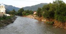 Cod portocaliu de inundaţii pe râuri din şase judeţe