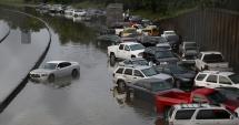TRAGEDIE / Zeci de persoane și-au pierdut viața în urma furtunilor puternice care au lovit sud-estul SUA