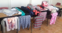Trei femei din Constan�a, amendate c� vindeau haine �n sta�ia de autobuz