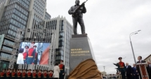 Statuia lui Kalașnikov, modificată la nicio săptămână de la inaugurare