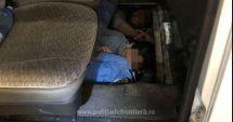 Migranţi din Sri Lanka, ascunși în podeaua unui microbuz pentru a ieși din România