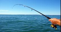 Prohibiţie generală la pescuit. Vezi aici când durează perioada în care este interzis pescuitul