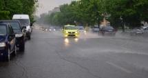 ALERTĂ METEO: Ninsori la munte, ploi şi vijelii în majoritatea regiunilor. Nici Dobrogea nu scapă!