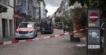 Atac cu drujba în Elveţia / Cel puţin cinci persoane au fost rănite. Graniţa cu Germania este închisă!
