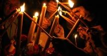 Lumina Sf�nt� de la Ierusalim a ajuns �n Rom�nia, la s�rb�toarea �nvierii Domnului