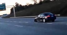VIDEO incredibil / Şofer prins gonind cu 120 km/h, FĂRĂ O ROATĂ!