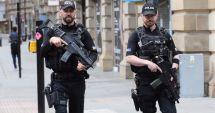O maşină a intrat în Parlamentul britanic. Mai mulţi răniţi, şoferul reţinut. Poliţia suspectează atac terorist