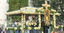 Peste 270.000 de credincioşi s-au închinat la moaştele Sfintei Parascheva