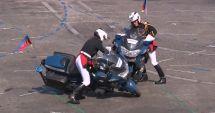 VIDEO. Doi motociclişti s-au lovit în timpul paradei de Ziua Franţei, în faţa preşedintelui Macron