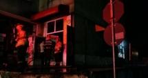 VIDEO. Pompierii constănţeni, în alertă. PATISERIE CUPRINSĂ DE FLĂCĂRI