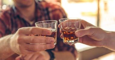 Vânzarea de alcool, interzisă sâmbătă pe traseul cortegiului funerar