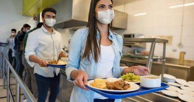 Care este riscul contaminării cu noul coronavirus prin alimente