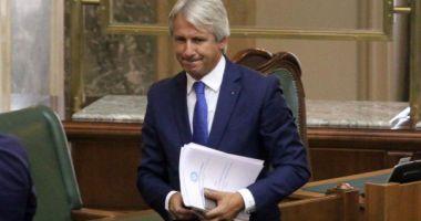 Teodorovici: Peste 4.000 de posturi vor fi tăiate, cele mai multe la ANAF. Vor dispărea funcţii de conducere