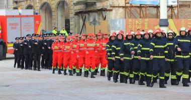 Pompieri, militari, poli�i�ti, c�t valoreaz� via�a voastr�?