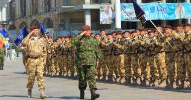 Foto : Armata nu înseamnă doar ofiţeri şi comandanţi. Militarii cer salarii decente, bani de chirie, ore suplimentare plătite, pensii mărite, contracte pe perioadă nedeterminată