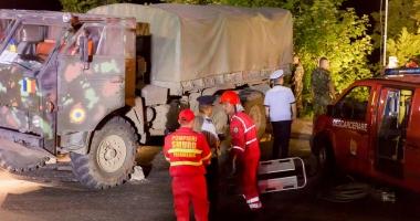 Întrebare pentru ministrul Ţuţuianu şi generalul Ciucă: voi v-aţi lăsa copiii să urce în asemenea camioane? Aveau asigurări de viaţă militarii decedaţi? Cum e să mori pentru 1.400 lei?
