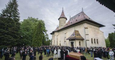 ÎPS Pimen, înmormântat la Mănăstirea Sihăstria Putnei