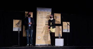 Festivalul Dbutant, șansa tinerilor debutanți să fie văzuți de oameni care le pot influenţa viitorul