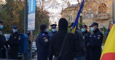 Protest spontan, la Constanţa. Politiştii au împărţit amenzi