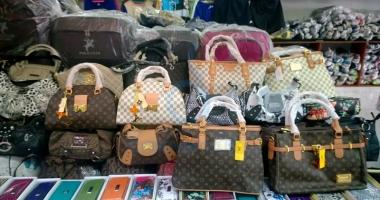 1.000 de genţi contrafăcute, confiscate în Portul Constanţa