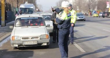 Șoferi fără permise auto, depistați pe Bulevardul Aurel Vlaicu / Galerie foto