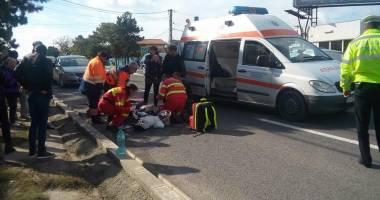Galerie foto. Accident rutier în Eforie Sud / BĂRBAT SPULBERAT DE O MAŞINĂ,  după ce a traversat strada prin loc nepermis