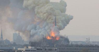 Notre Dame, în flăcări. Donald Trump, reacție fulger după imaginile-șoc de la TV