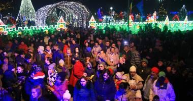 Imagini de basm în comuna Peştera. S-a dat startul sărbătorilor