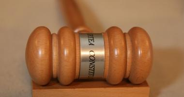 CCR: Prelungirea controlului judiciar, neconstituțională. Iată în ce condiţii