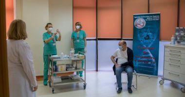 GALERIE FOTO / Traian Băsescu s-a vaccinat