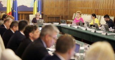 Guvernul anunţă oficial că se întruneşte în şedinţă miercuri