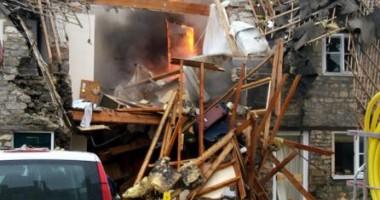 Cinci persoane, între care trei copii, au murit în urma unei explozii
