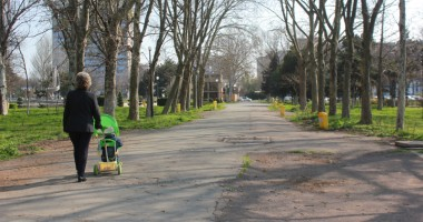 Prin parcurile Constanţei, cu scaunul de-acasă?