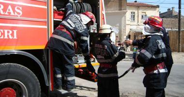 INCENDIU la o mașină, în zona Spitalului Județean Constanța