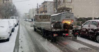 IARNA LA CONSTANŢA / Va continua să ningă! Autorităţile iau măsuri