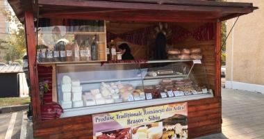 GALERIE FOTO / Produse tradiţionale sau ţepe ordinare? Cârnaţi şi salamuri ţărăneşti, făcute în fabrici de mezeluri