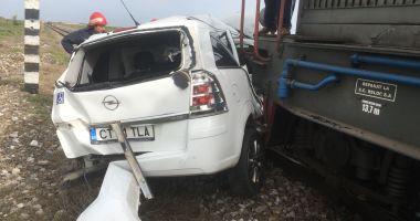 UPDATE. ACCIDENT RUTIER GRAV! Maşină lovită de tren, în judeţul Constanţa. O victimă este încarcerată