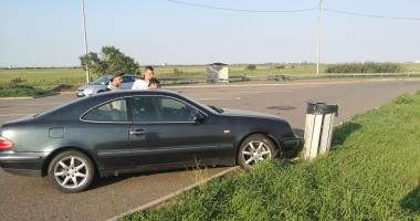 DISTRACŢIE INFERNALĂ pe AUTOSTRADA BUCUREŞTI-CONSTANŢA. Şoferul FĂRĂ PERMIS, aproape de COMĂ ALCOOLICĂ