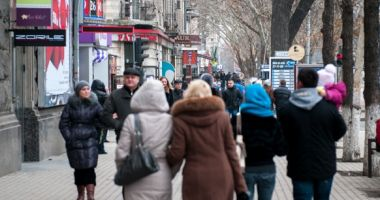 Studiu: 37% dintre români trăiesc de pe o zi pe alta