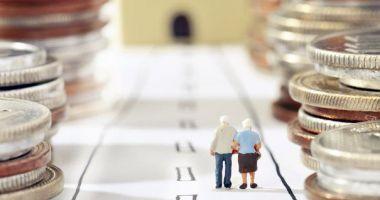 Zeci de mii de pensionari primesc pensiile mărite de la 1 aprilie. Ministrul muncii: